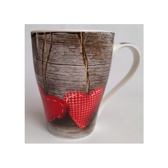 Barna-piros szív mintájú porcelán bögre 3,5 dl
